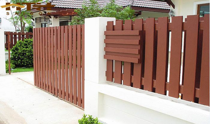 Ảnh trang trí hàng rào bằng thanh gỗ Conwood